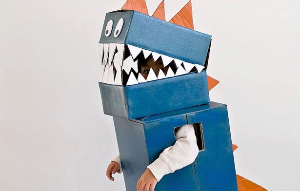 2-diy-cardboard-dinosaur-costume.jpg
